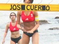 ビーチバレーってビーチクまで焼けるのか?アスリート系女優のおっぱいバレー!