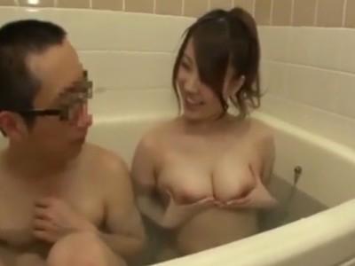 どおこのオッパイ?兄が風呂に入ってると乱入してきて巨乳を見せつけてくる痴女な妹w